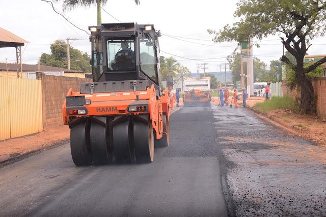 Prefeitura de Barreiras realiza obras de pavimentação asfáltica no Bairro Boa Sorte