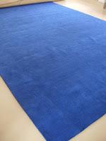 Loop cut pile custom hand-tufted rug