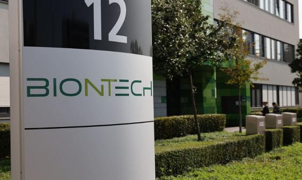 BioNTech prevé producir hasta 1.300 millones de vacunas contra la covid-19 en 2021