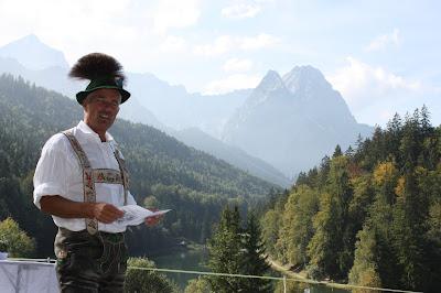 Progroder, Hochzeitslader, Trachtenhochzeit in den Bergen von Bayern, Riessersee Hotel Garmisch-Partenkirchen, Wedding in Bavaria
