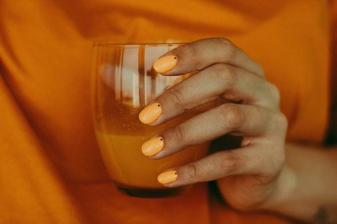 Esmalte natural para el crecimiento de las uñas