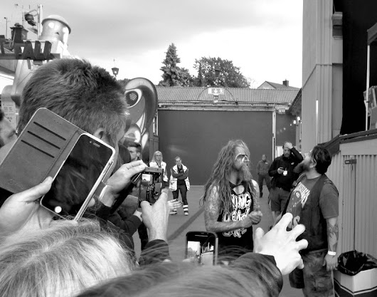 Rob Zombie in black and white