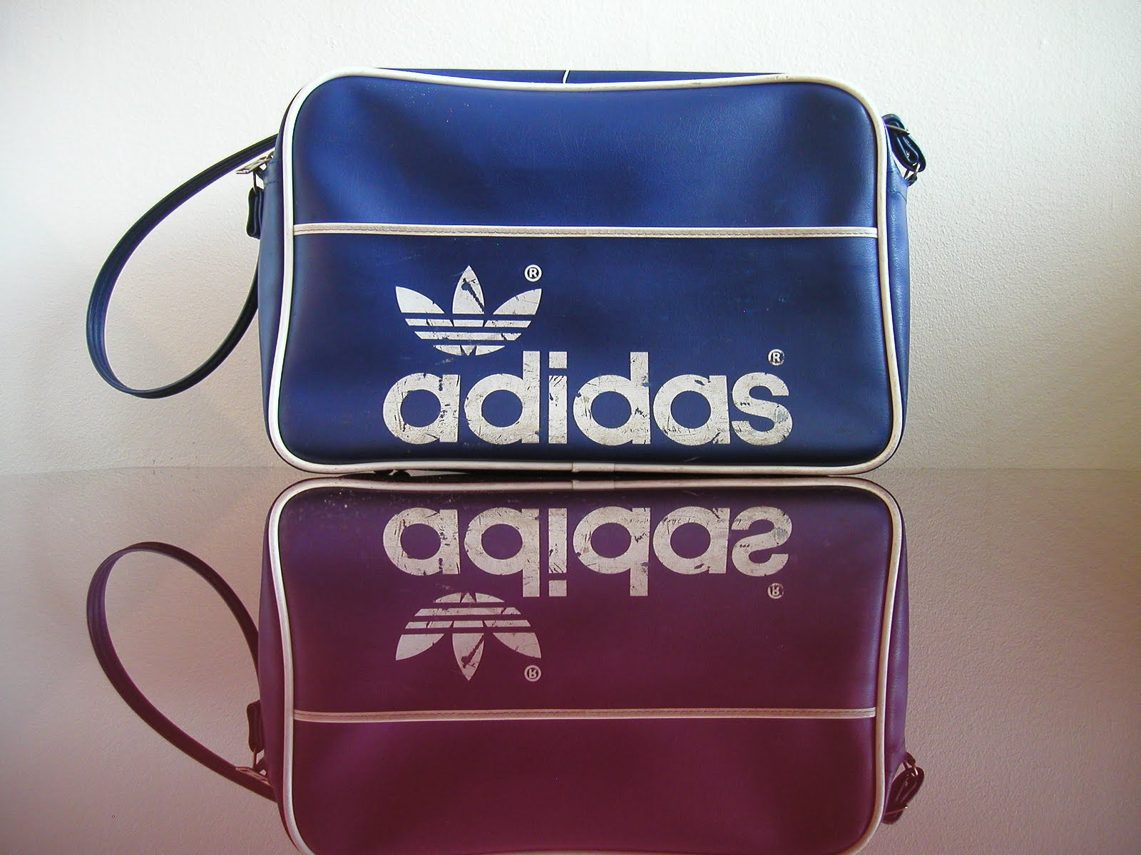 Vintage 80 s Adidas   Peter Black Sports Shoulder Strap Bag 42e5a91554274