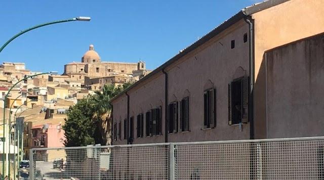 Comunicalo.it – Coronavirus, ordinanza di Musumeci per sgombero migranti da hotspot Sicilia