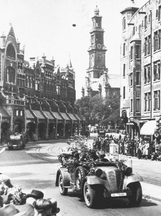 16 May 1940 worldwartwo.filminspector.com Germans Wehrmacht Amsterdam