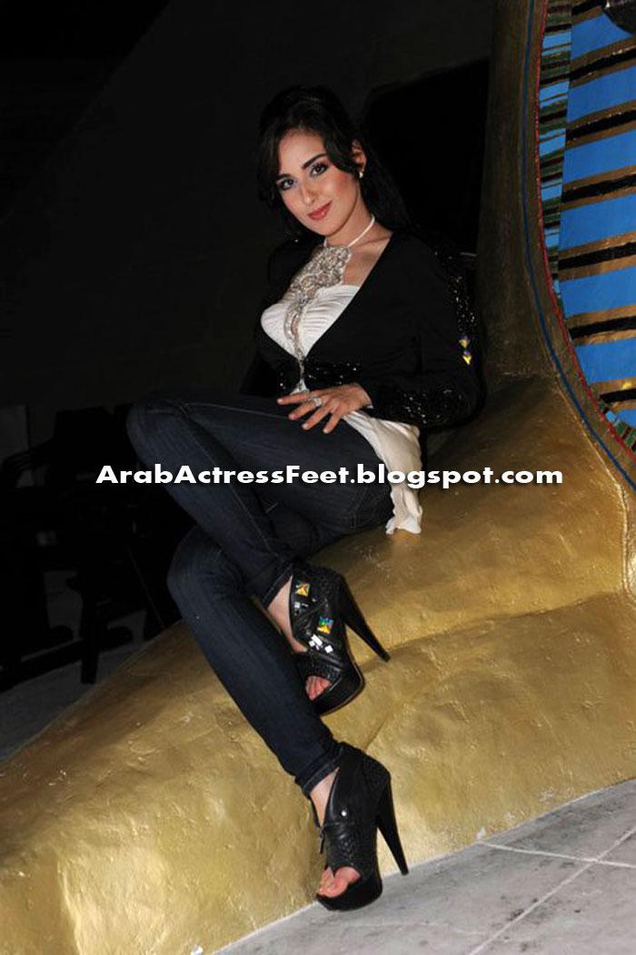 Arab Femdom 4: اقدام وئام الدحمانى 2011