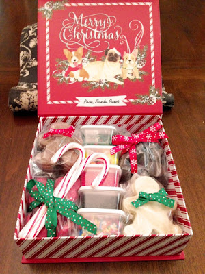 http://www.justmeasuringup.com/blog/making-a-simple-cookie-decorating-box/