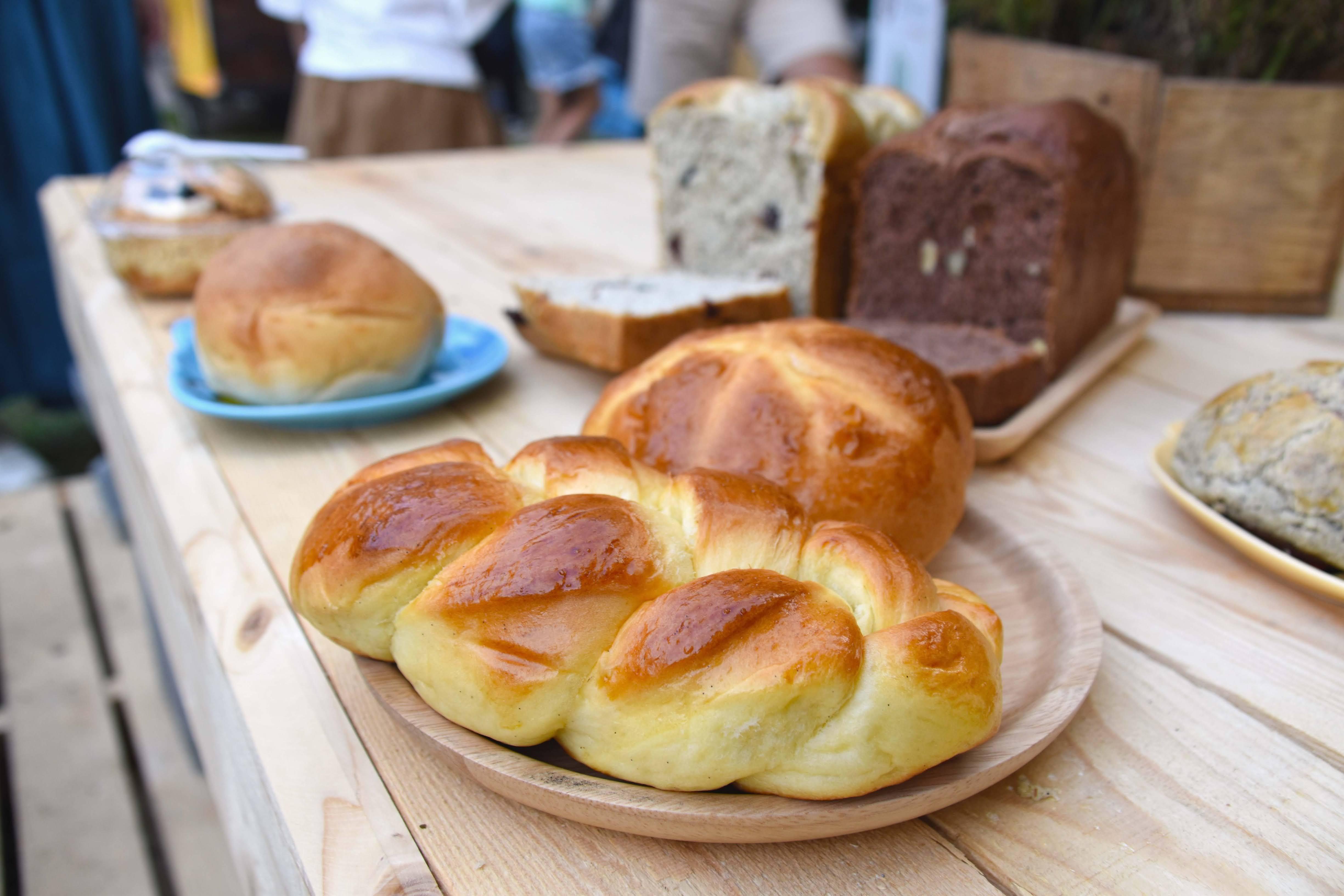 《台南|中西》五吉堂麵包店,隱藏在台南小巷弄中的週末限定麵包店?!限時限量,營業時間一個半小時!🍃