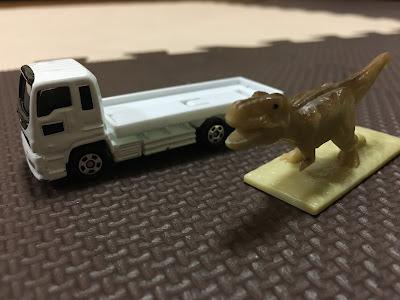 トミカ恐竜カー