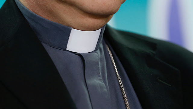 Comienza el juicio contra curas acusados de violar a niños sordos en un instituto católico de Argentina