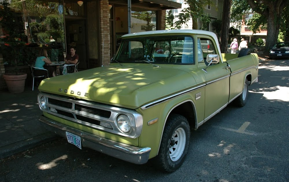 Dodge Pickup Trucks >> OLD PARKED CARS.: 1970 Dodge D100.