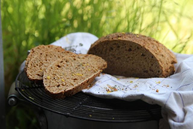 Cuillère et saladier : Soda bread citron thym vegan