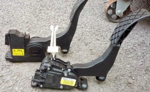 VW POLO: accelerator pedal