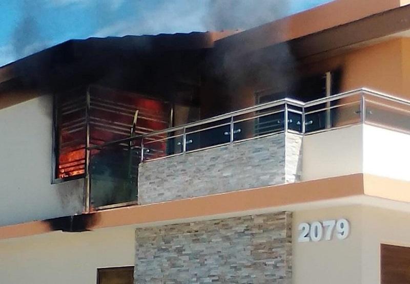 Tirotean residencia abandonada en Culiacán y después le prenden fuego