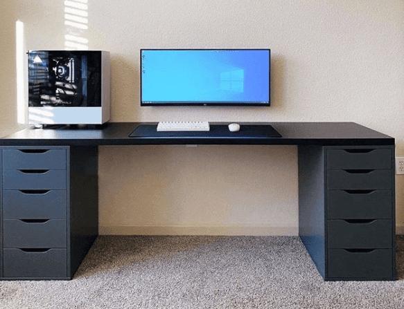 Itulah beberapa inspirasi setup meja komputer minimalis untuk kerja lebih produktif. Dengan mengubah suasan meja kerja diharpkan menambah produktifitas kerja meskipun hanya dari rumah.