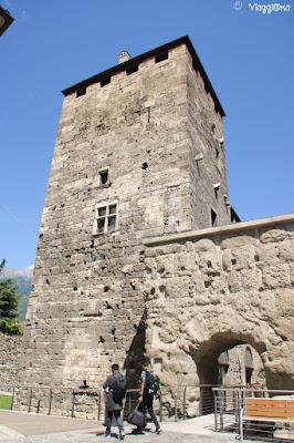 Torre della Porta Praetoria che ospita la IAT