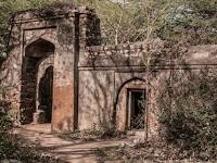 Kisah Nyata Seorang Pangeran Yang Mengucilkan Diri Ditengah Hutan di Delhi, India (Bag. II)
