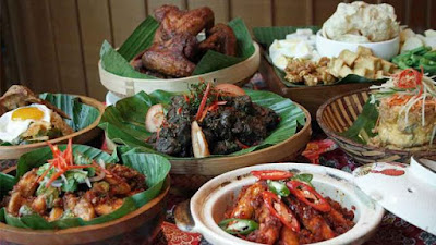 Kuliner Bali Terkenal Dengan Citarasa Kaya Rempah Yang Menggugah Selera, 7 Destinasi Kuliner khas Bali