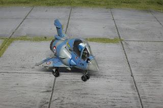 http://ronylamaquette.blogspot.com/2017/02/afv-club-mirage-2000-eggplane.htm