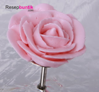 Tips Cara Membuat Bunga Mawar Dengan Buttercream Mudah