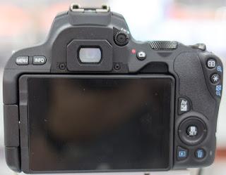 Canon EOS 200D camera review