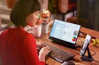 ربط Motorola Edge Plus بشاشة واستخدامه كبديل للكمبيوتر