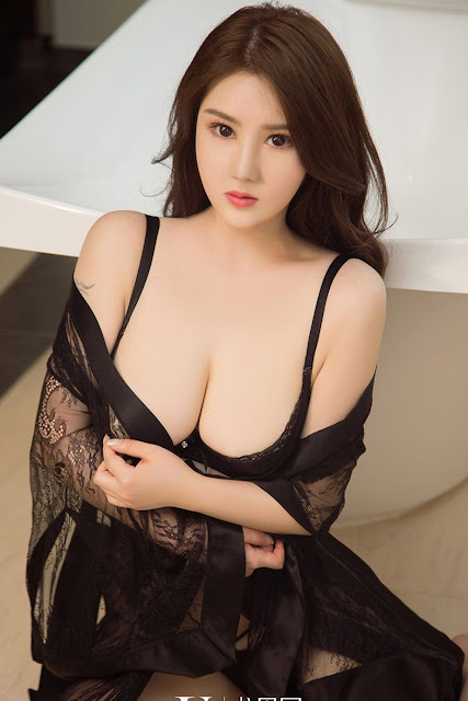 Hot and sexy big boobs photos of beautiful busty asian hottie chick Chinese booty model Ai Lin Er photo highlights on Pinays Finest sexy nude photo collection site.