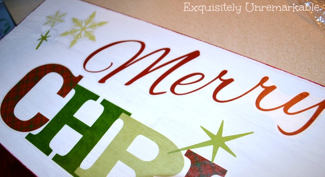 make an easy Wooden Christmas Sign