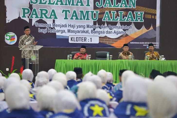 Gubernur Sulsel, Lepas Jamaah Calon Haji DI Asrama Haji Sudiang