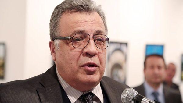 Detienen a exproductor de TV por asesinato de embajador ruso