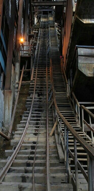 21 Forgotten Abandoned Staircase Left Alone To Die