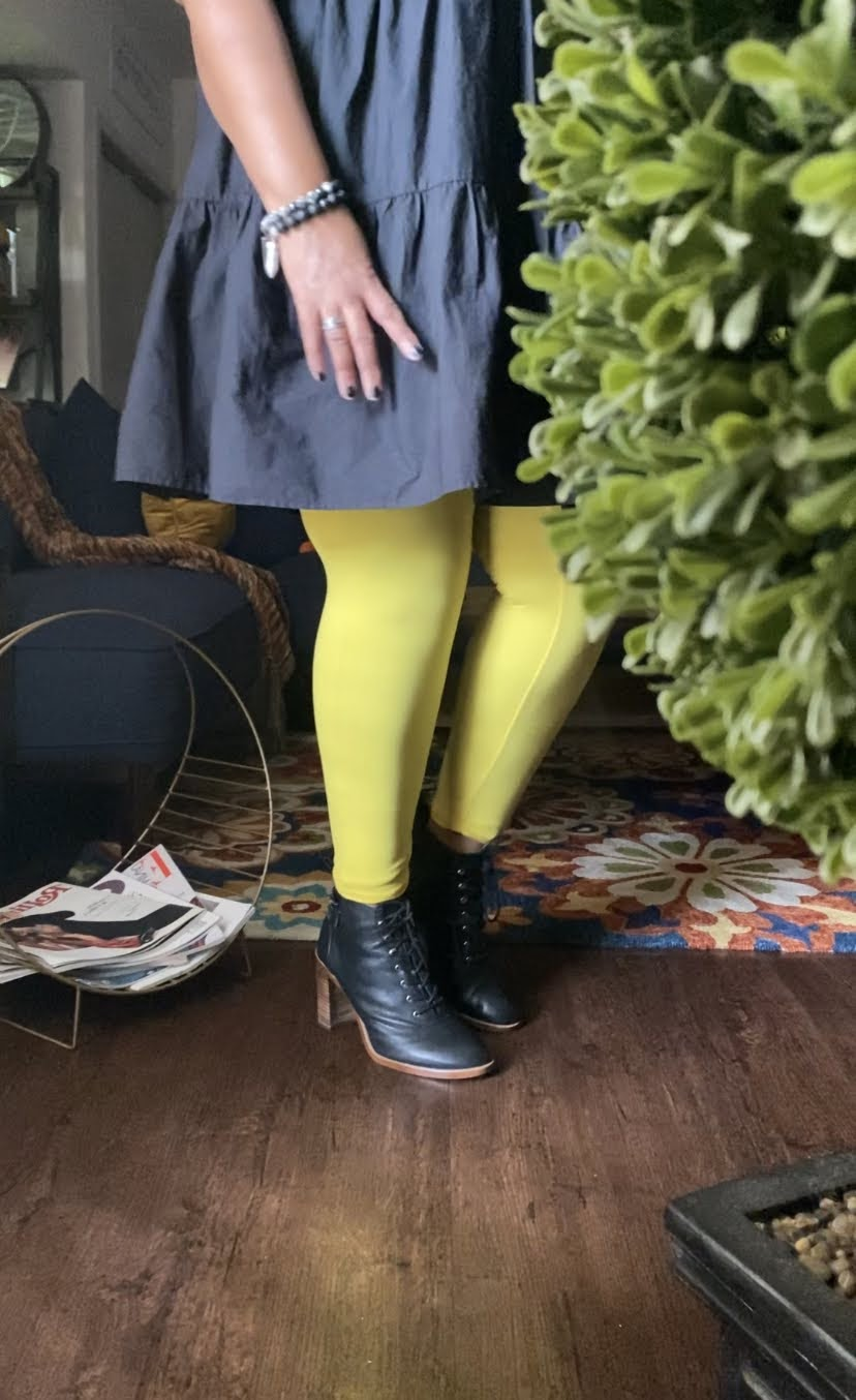 Thrift Snooping Yellow Thights