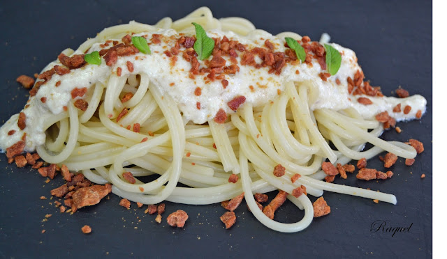 Espaguetis Con Crema De Queso Y Crujiente De Jamón