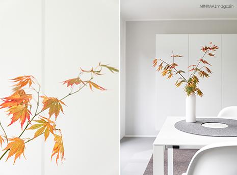 Herbstliche Tischdekoration mit Zweigen aus Federarhorn - minimalistische Dekoidee