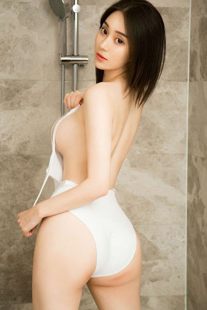 Hot and sexy big boobs photos of beautiful busty asian hottie chick Chinese booty model Li Wei Wei photo highlights on Pinays Finest sexy nude photo collection site.