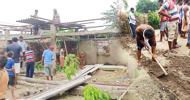 धनौजा गांव के युवाओं ने पेश की मिशाल, जायदाद की लड़ाई में बेघर हुए परिवार का एक दिन में बना दिया घर