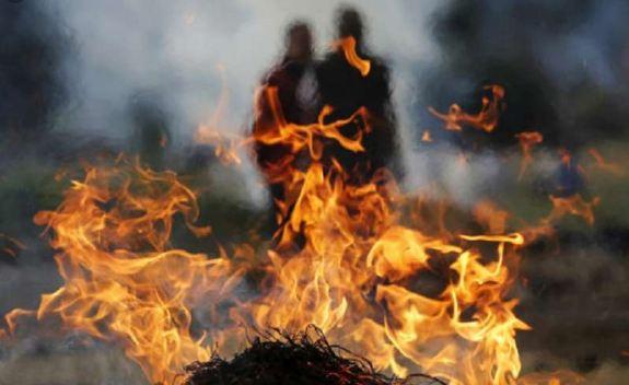 मुस्लिम परिवार ने किया एक बूढ़े ब्राह्मण का अंतिम संस्कार! - newsonfloor.com