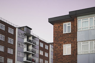 8 علامات تدل على أن العيش في شقة غير آمن