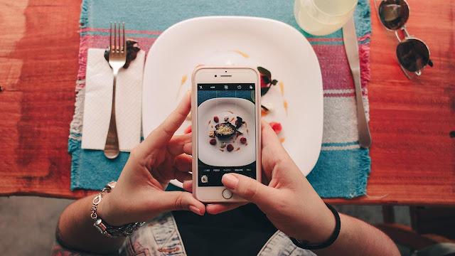 Flying Face, Gim Unik di Instagram Stories yang Mainnya Pakai Kedipan Mata