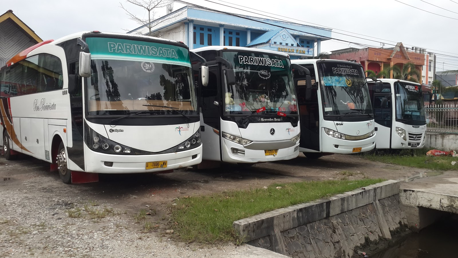 bus pariwisatamurah pekanbaru