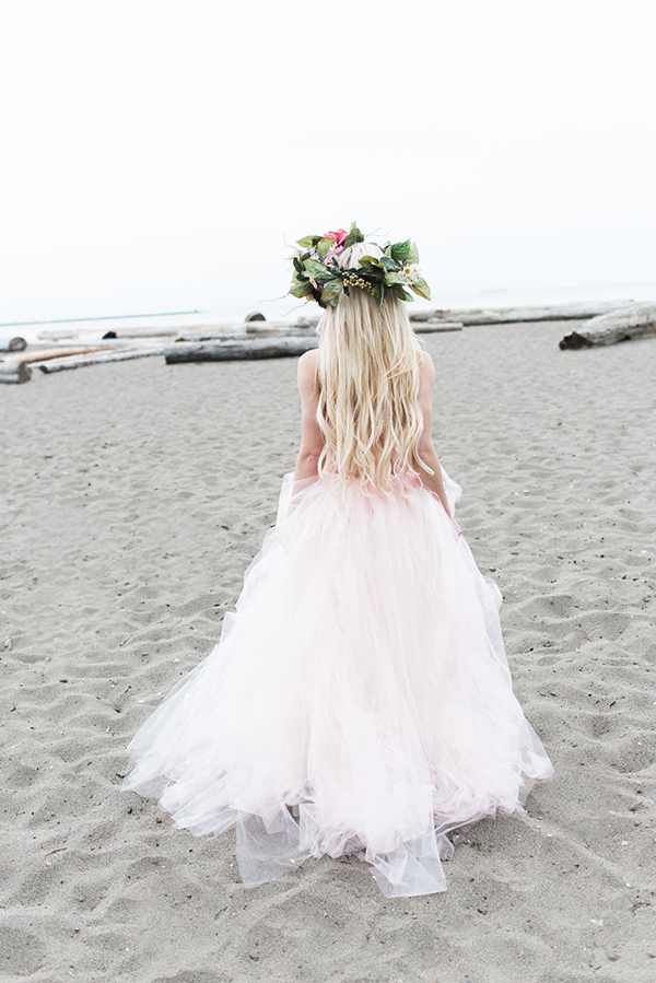 Beach boho bride hairstyles with Veronica Gomes hair extensions