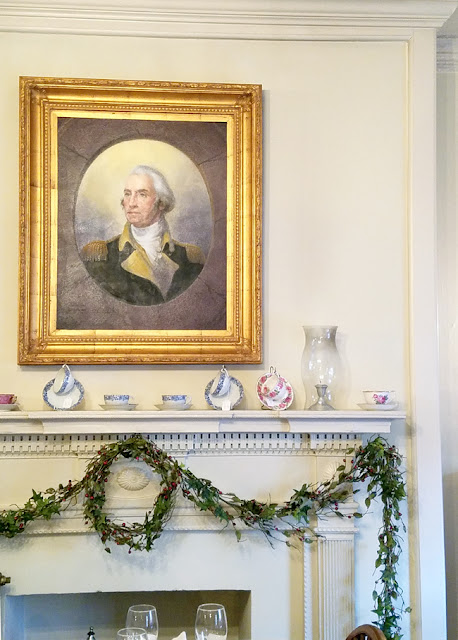 Christmas decor - mantel