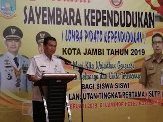 Asisten III Kota Jambi Membuka Secara Resmi Lomba Pidato Kependudukan Tingkat SLTP Negeri.