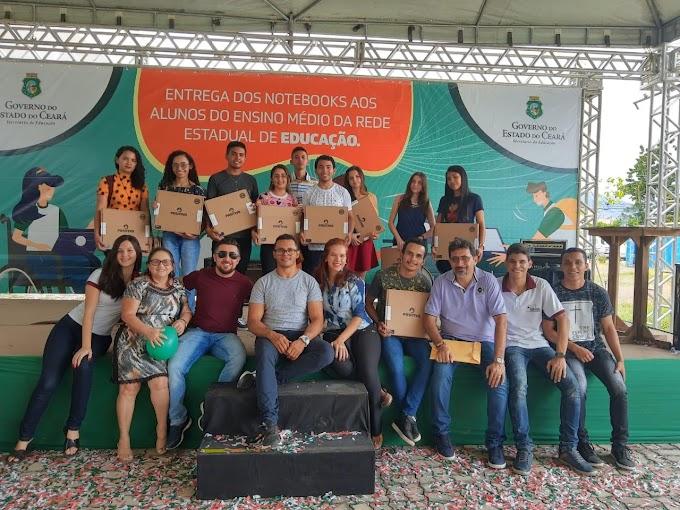 Estudantes e professores senadorsaenses participam de premiação onde onze alunos foram premiados. Confira!