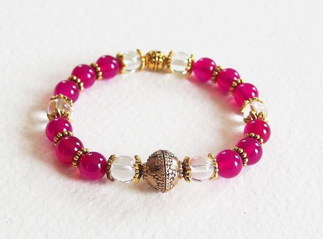 https://www.alittlemarket.com/bracelet/fr_bracelet_ethnique_chic_pierres_de_gemme_splendeurs_indiennes_agates_et_cristal_de_roche_rose_et_dore_-16591705.html