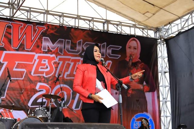 Memeriahkan Hari Sumpah Pemuda ke -91 Bupati Tuba Hj Winati SE  MH. Gelar Music Festival