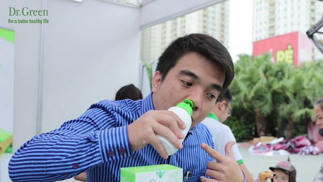 Cách sử dụng bình rửa mũi Dr.Green người tiếp xúc với khói bụi , chất độc