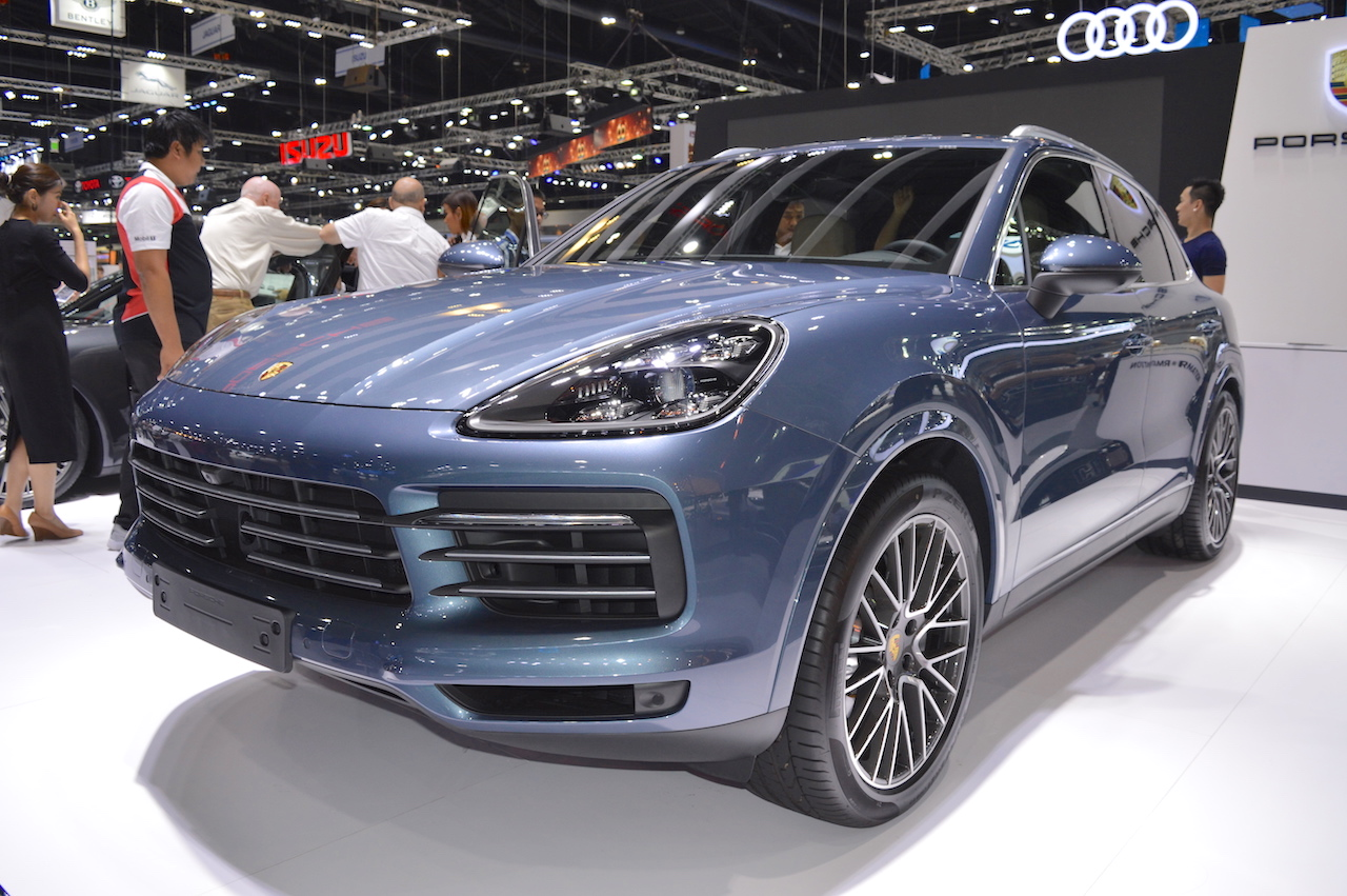 porsche cayenne s generasi ke 3 thai motor expo 2017 oto channel. Black Bedroom Furniture Sets. Home Design Ideas