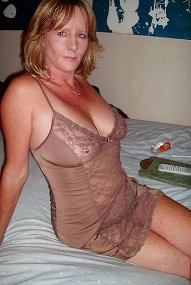Old Women Sexy And With Droopy Boobs 33
