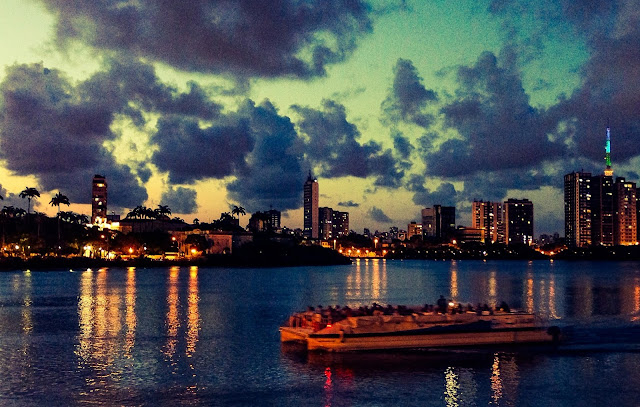 Recife Assombrado  Assombrações com DNA pernambucano protagonizam o Dia das Bruxas na Catamaran Tours